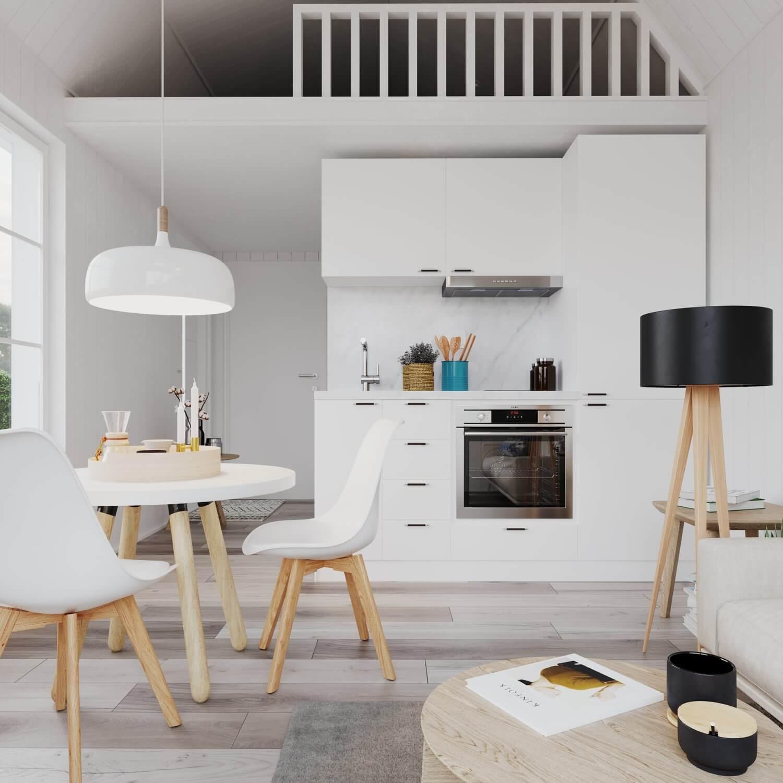 Kök med vita köksluckor och inudktionshäll i attefallshus med mansardtak