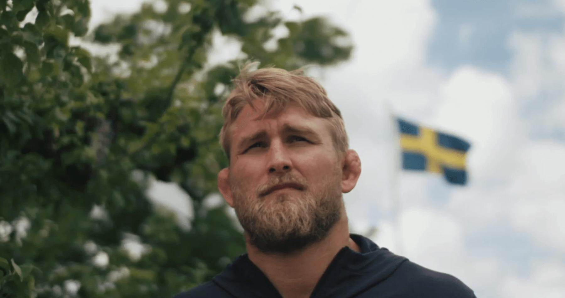 Alexander Gustafsson The Mauler! Bygger med Husverket attefallshus, friggebod , fritidshus